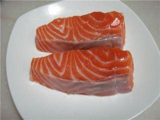 柠香煎三文鱼的做法步骤:2