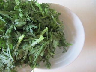 火腿茼蒿水果酸奶沙拉的做法步骤:2