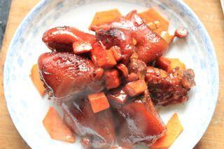 简单的家常两吃红烧猪蹄的做法步骤:7