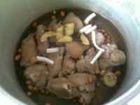 红烧猪蹄的做法步骤:6