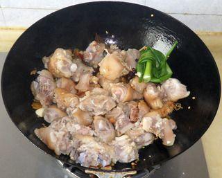 泡椒红烧猪蹄的做法步骤:6