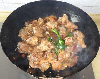 泡椒红烧猪蹄的做法步骤:7