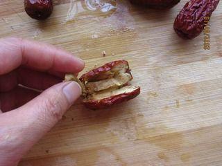蜜汁红枣苦瓜段的做法步骤:6