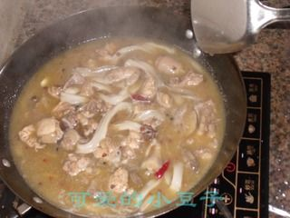 土豆粉烧仔鸡的做法步骤:6