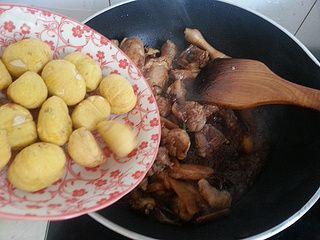 家庭制作板栗烧仔鸡的做法步骤:8