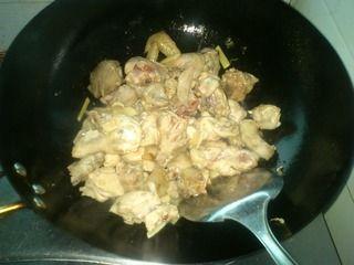 毛豆烧鸡块的做法步骤:2