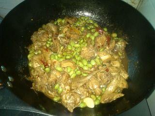 毛豆烧鸡块的做法步骤:8