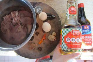 卤鸭肝湿炒粉的做法步骤:1