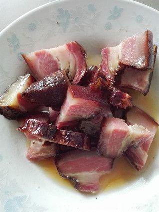 大黄米腊肉粽子的做法步骤:2