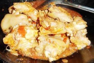 家中的年夜菜:一红烧猪蹄的做法步骤:7