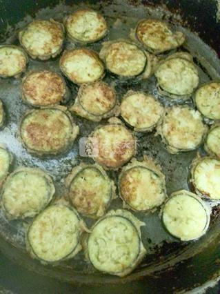 鸭蛋茄饼的做法步骤:14