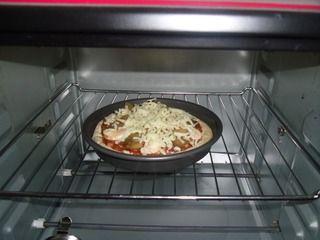 榨菜肉丝披萨的做法步骤:8