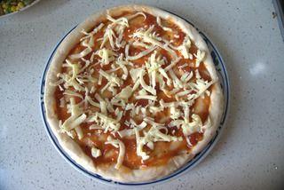 馅料十足培根烤肠PIZZA的做法步骤:8