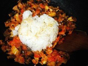 创意韩国泡菜炒饭的做法步骤:6