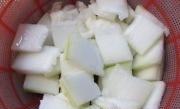 冬瓜毛豆咸肉汤的做法图解3
