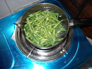 四季豆炒肉丝的做法步骤:3