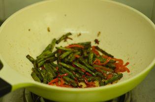 干煸四季豆的做法步骤:8