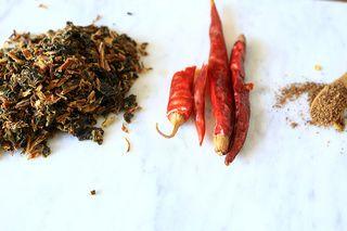 梅菜花椒干煸四季豆的做法步骤:1