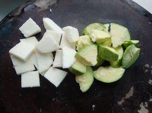 火腿砂锅杂菜的做法步骤:3