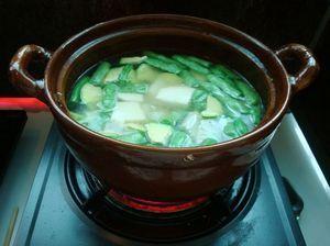 火腿砂锅杂菜的做法步骤:6