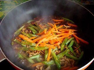 四季豆炒肉丝的做法步骤:7
