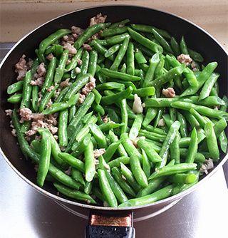 简易版干煸四季豆的做法步骤:4