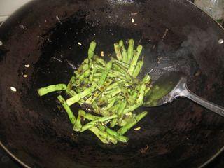 橄榄菜炒四季豆的做法步骤:6