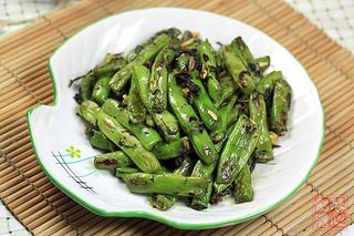 橄榄菜炒四季豆的做法步骤:7