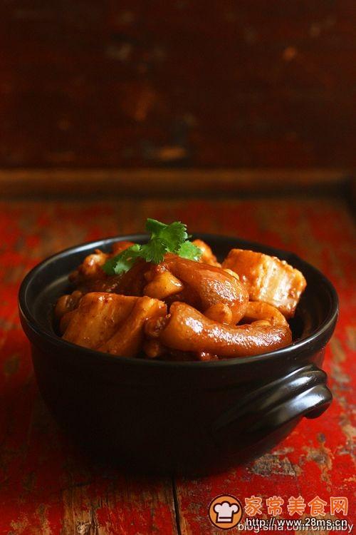 除夕的饭桌 南乳莲藕焖猪手