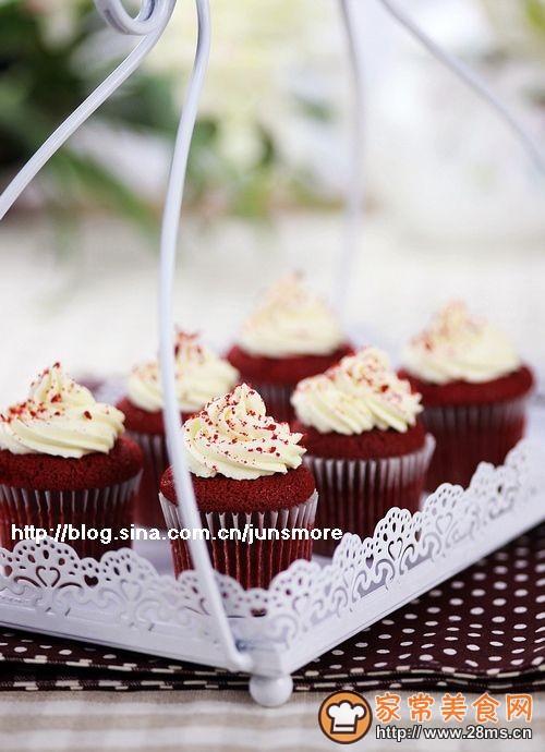 下午茶西点 红丝绒纸杯蛋糕