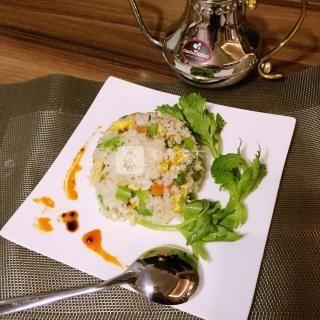 西芹蛋炒饭的做法步骤:7