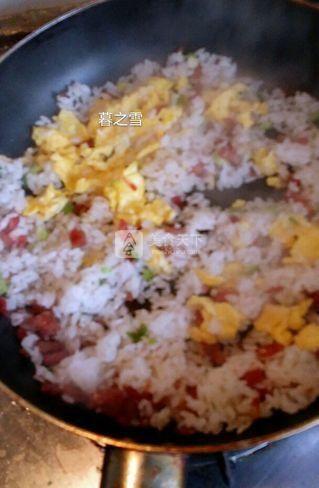腊肠蛋炒饭的做法步骤:6