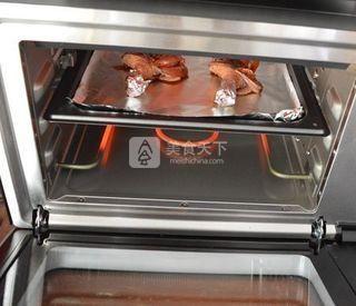 叉烧酱烤鸡腿的做法步骤:7