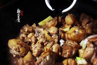 新疆大盘鸡的做法步骤:7
