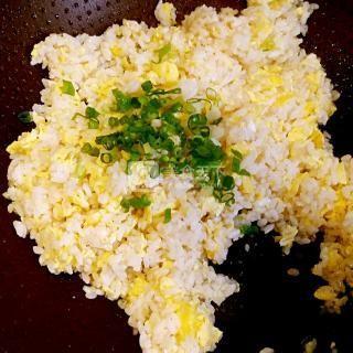 蛋炒饭的做法步骤:6