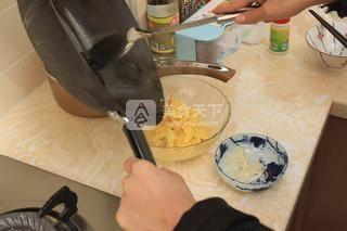 蛋炒饭的做法步骤:4