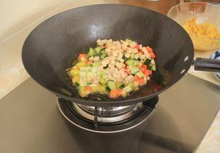 蛋炒饭的做法步骤:9