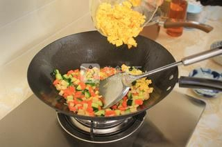 蛋炒饭的做法步骤:10