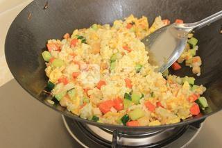 蛋炒饭的做法步骤:12