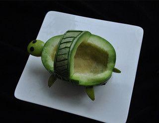 香瓜乌龟船水果盘的做法步骤:5