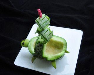 香瓜乌龟船水果盘的做法步骤:7
