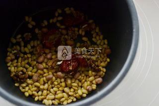 核桃红枣豆浆的做法步骤:3