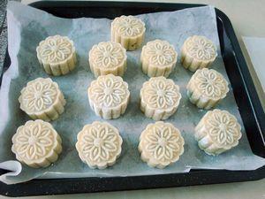 五仁月饼的做法步骤:11