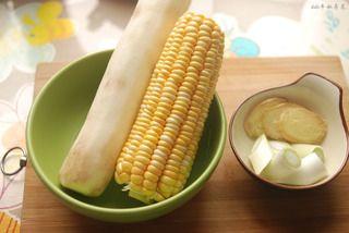 玉米山药龙骨汤的做法步骤:2