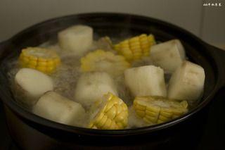玉米山药龙骨汤的做法步骤:8