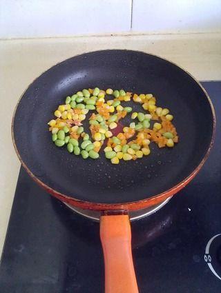 看不见蛋的蛋炒饭的做法步骤:5