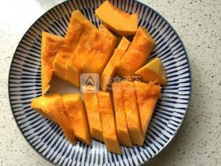 南瓜饼的做法步骤:1