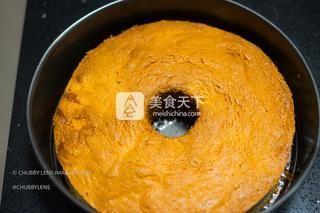 泰国榴莲慕斯蛋糕的做法步骤:6