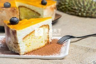 泰国榴莲慕斯蛋糕的做法步骤:15