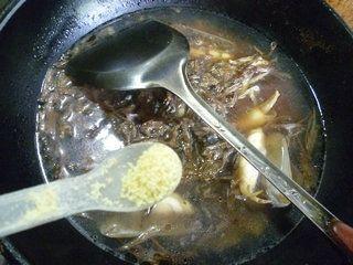 笋干菜蛏子汤的做法步骤:10